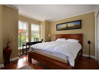 """Photo 8: 2010 W 1ST Avenue in Vancouver: Kitsilano Townhouse for sale in """"THE TOWNHOMES ON MAPLE"""" (Vancouver West)  : MLS®# V892191"""