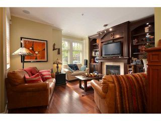 "Photo 3: 2010 W 1ST Avenue in Vancouver: Kitsilano Townhouse for sale in ""THE TOWNHOMES ON MAPLE"" (Vancouver West)  : MLS®# V892191"