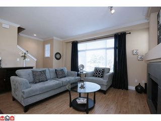 """Photo 2: 41 19330 69TH Avenue in Surrey: Clayton Townhouse for sale in """"Montebello"""" (Cloverdale)  : MLS®# F1123508"""