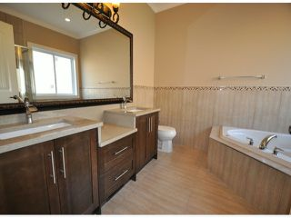"Photo 6: 7776 TAULBUT Street in Mission: Mission BC House for sale in ""Centennial Park"" : MLS®# F1326641"
