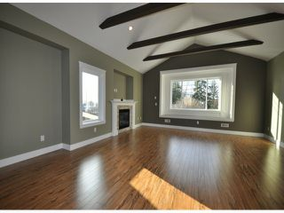 "Photo 2: 7776 TAULBUT Street in Mission: Mission BC House for sale in ""Centennial Park"" : MLS®# F1326641"
