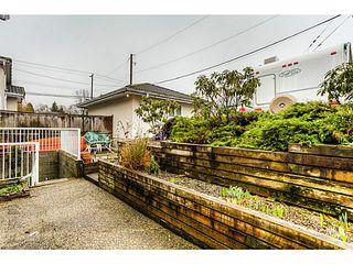 Photo 16: 4683 DARWIN Avenue in Burnaby: Burnaby Hospital House 1/2 Duplex for sale (Burnaby South)  : MLS®# V1103438