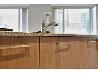 "Photo 10: 1504 1212 HOWE Street in Vancouver: Downtown VW Condo for sale in ""1212 HOWE"" (Vancouver West)  : MLS®# V1109901"