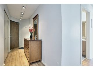 "Photo 4: 1504 1212 HOWE Street in Vancouver: Downtown VW Condo for sale in ""1212 HOWE"" (Vancouver West)  : MLS®# V1109901"