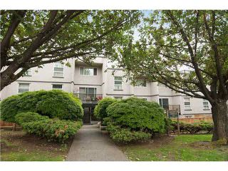 "Photo 12: 103 312 CARNARVON Street in New Westminster: Downtown NW Condo for sale in ""CARNARVON TERRACE"" : MLS®# V1120708"