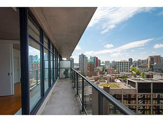 "Photo 4: 1906 108 W CORDOVA Street in Vancouver: Downtown VW Condo for sale in ""Woodwards W32"" (Vancouver West)  : MLS®# V1121064"