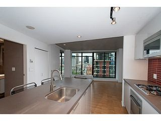 "Photo 1: 1906 108 W CORDOVA Street in Vancouver: Downtown VW Condo for sale in ""Woodwards W32"" (Vancouver West)  : MLS®# V1121064"