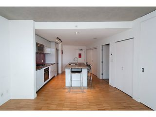 "Photo 8: 1906 108 W CORDOVA Street in Vancouver: Downtown VW Condo for sale in ""Woodwards W32"" (Vancouver West)  : MLS®# V1121064"