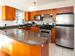 "Photo 4: 25 1204 MAIN Street in Squamish: Downtown SQ Townhouse for sale in ""AQUA AT COASTAL VILLAGE"" : MLS®# V1140937"