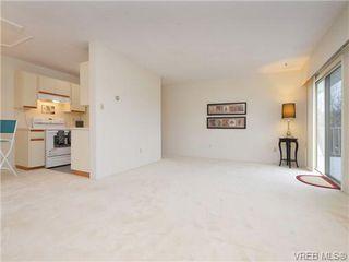 Photo 3: 303 1680 Poplar Avenue in VICTORIA: SE Mt Tolmie Condo Apartment for sale (Saanich East)  : MLS®# 358154