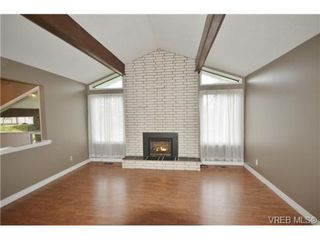 Photo 2: 2285 Gail Pl in SIDNEY: Si Sidney South-East House for sale (Sidney)  : MLS®# 719328