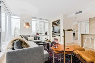 """Photo 4: 2008 1351 CONTINENTAL Street in Vancouver: Downtown VW Condo for sale in """"MADDOX"""" (Vancouver West)  : MLS®# R2028092"""