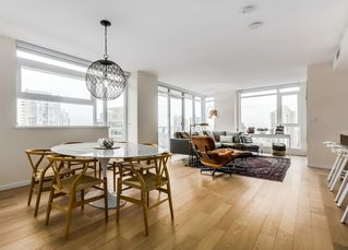 """Photo 2: 2008 1351 CONTINENTAL Street in Vancouver: Downtown VW Condo for sale in """"MADDOX"""" (Vancouver West)  : MLS®# R2028092"""