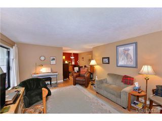 Photo 6: 101 1031 Burdett Ave in VICTORIA: Vi Downtown Condo for sale (Victoria)  : MLS®# 723639