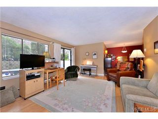 Photo 8: 101 1031 Burdett Ave in VICTORIA: Vi Downtown Condo for sale (Victoria)  : MLS®# 723639