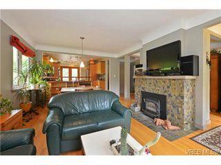 Photo 6: 1768 Carrick St in VICTORIA: Vi Jubilee Single Family Detached for sale (Victoria)  : MLS®# 731705