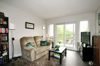 "Photo 2: 406 12075 EDGE Street in Maple Ridge: East Central Condo for sale in ""EDGE ON EDGE"" : MLS®# R2094670"