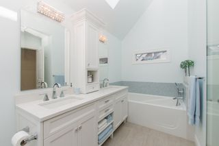 Photo 15: 2360 WATERLOO Street in Vancouver: Kitsilano 1/2 Duplex for sale (Vancouver West)  : MLS®# R2101486