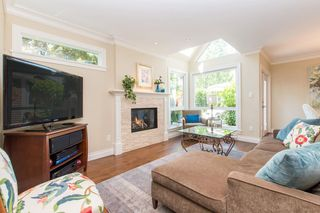 Photo 4: 2360 WATERLOO Street in Vancouver: Kitsilano 1/2 Duplex for sale (Vancouver West)  : MLS®# R2101486