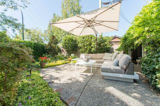 Photo 2: 2360 WATERLOO Street in Vancouver: Kitsilano House 1/2 Duplex for sale (Vancouver West)  : MLS®# R2101486