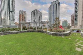 """Photo 8: 501 535 SMITHE Street in Vancouver: Downtown VW Condo for sale in """"Dolce at Symphony Place"""" (Vancouver West)  : MLS®# R2121616"""