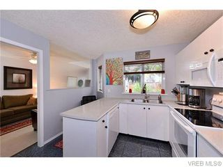 Photo 10: 2316 Victor St in VICTORIA: Vi Fernwood Half Duplex for sale (Victoria)  : MLS®# 745946