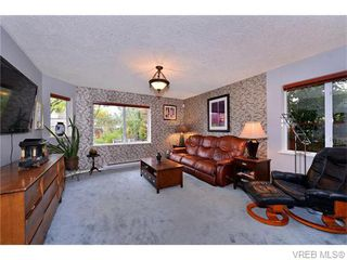 Photo 4: 2316 Victor St in VICTORIA: Vi Fernwood Half Duplex for sale (Victoria)  : MLS®# 745946