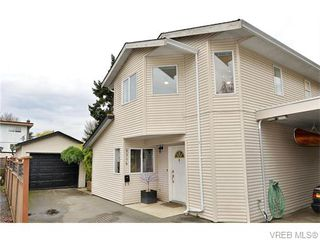 Photo 3: 2316 Victor St in VICTORIA: Vi Fernwood Half Duplex for sale (Victoria)  : MLS®# 745946