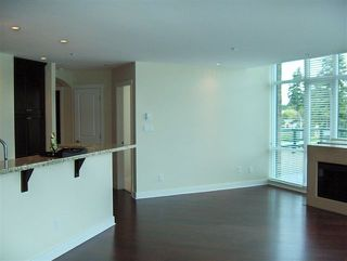 Photo 5: 305 14824 BLUFF Road in South Surrey White Rock: Home for sale : MLS®# F2713960