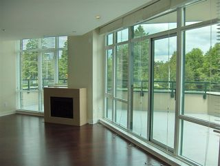 Photo 4: 305 14824 BLUFF Road in South Surrey White Rock: Home for sale : MLS®# F2713960