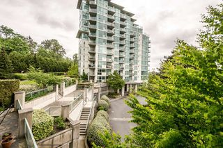 Photo 3: 302 2733 CHANDLERY PLACE in Vancouver: Fraserview VE Condo for sale (Vancouver East)  : MLS®# R2169175