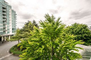Photo 2: 302 2733 CHANDLERY PLACE in Vancouver: Fraserview VE Condo for sale (Vancouver East)  : MLS®# R2169175