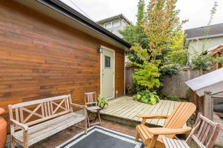 "Photo 19: 2020 VICTORIA Drive in Vancouver: Grandview VE House for sale in ""COMMERCIAL DRIVE"" (Vancouver East)  : MLS®# R2213057"
