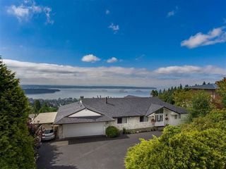Photo 2: 1354 WHITBY Road in West Vancouver: Chartwell House for sale : MLS®# R2213295