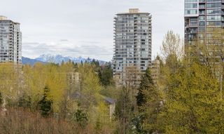 "Photo 12: 1009 651 NOOTKA Way in Port Moody: Port Moody Centre Condo for sale in ""SAHALEE"" : MLS®# R2279820"