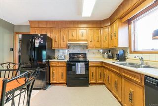 Photo 4: 75 Chancery Bay in Winnipeg: River Park South Residential for sale (2F)  : MLS®# 1818481