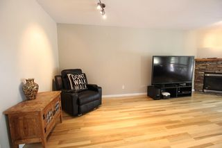 """Photo 4: 18610 65 Avenue in Surrey: Cloverdale BC Townhouse for sale in """"Ridgeway"""" (Cloverdale)  : MLS®# R2299055"""