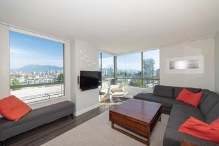 "Photo 3: 603 2288 PINE Street in Vancouver: Fairview VW Condo for sale in ""The Fairview"" (Vancouver West)  : MLS®# R2303181"