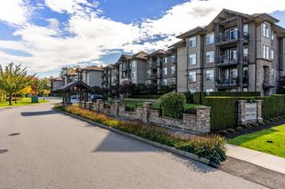 "Photo 1: 122 12258 224 Street in Maple Ridge: East Central Condo for sale in ""STONEGATE"" : MLS®# R2314416"