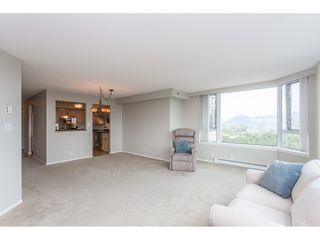 "Photo 8: 1405 3170 GLADWIN Road in Abbotsford: Central Abbotsford Condo for sale in ""Regency Tower"" : MLS®# R2318450"