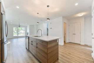 Photo 3: 2 11340 87 Street in Edmonton: Zone 05 House Half Duplex for sale : MLS®# E4138214