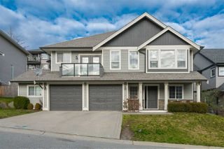 "Main Photo: 15 45957 SHERWOOD Drive in Sardis: Promontory House for sale in ""Sherwood Park Estates"" : MLS®# R2332905"