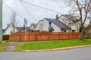 Photo 2: 533 Mary Street in VICTORIA: VW Victoria West Strata Duplex Unit for sale (Victoria West)  : MLS®# 405050