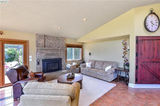 Photo 13: 1716 Woodsend Drive in VICTORIA: SW Granville Single Family Detached for sale (Saanich West)  : MLS®# 405562