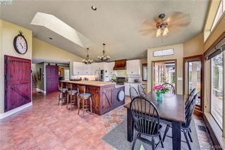 Photo 15: 1716 Woodsend Drive in VICTORIA: SW Granville Single Family Detached for sale (Saanich West)  : MLS®# 405562