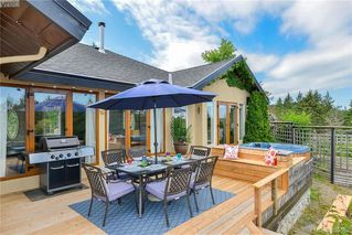 Photo 8: 1716 Woodsend Drive in VICTORIA: SW Granville Single Family Detached for sale (Saanich West)  : MLS®# 405562