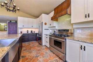 Photo 18: 1716 Woodsend Drive in VICTORIA: SW Granville Single Family Detached for sale (Saanich West)  : MLS®# 405562