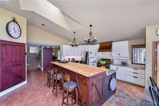 Photo 14: 1716 Woodsend Drive in VICTORIA: SW Granville Single Family Detached for sale (Saanich West)  : MLS®# 405562