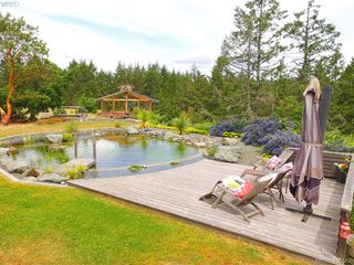 Photo 5: 1716 Woodsend Drive in VICTORIA: SW Granville Single Family Detached for sale (Saanich West)  : MLS®# 405562