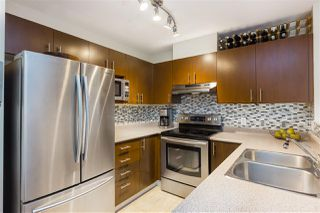 "Photo 3: 315 418 E BROADWAY in Vancouver: Mount Pleasant VE Condo for sale in ""BROADWAY CREST"" (Vancouver East)  : MLS®# R2341575"